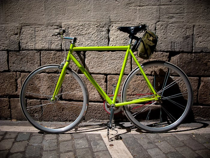 couleur cadre fixie vintage conversion singlespeed roue campgnolo rayons